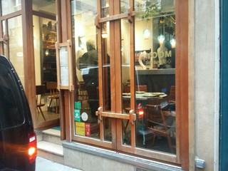 Photo du 4 novembre 2017 09:43, YOOM dim sum, 5 Rue Grégoire de Tours, 75006 Paris, France