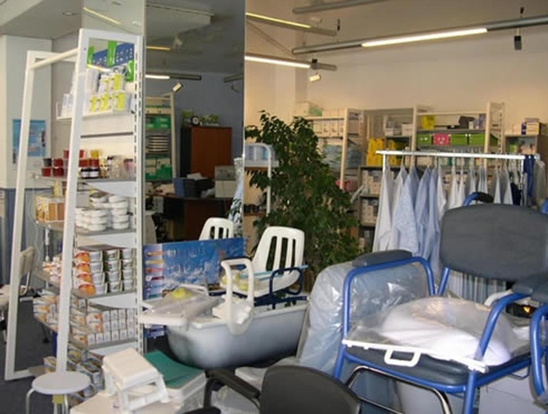 Wheelchair Store - Isabelle Et Joel Crozet , Aix-les-Bains