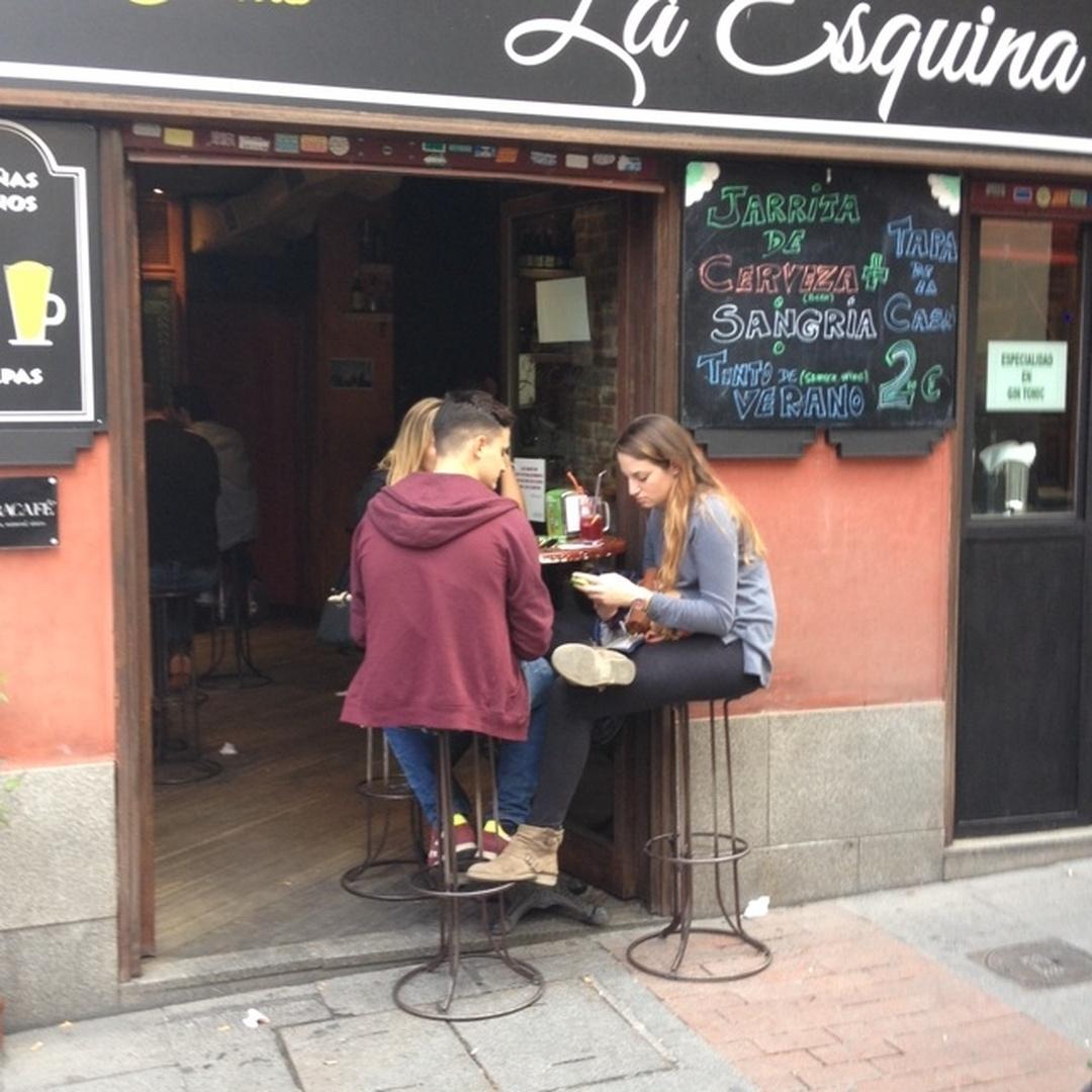 Photo of the February 5, 2016 6:57 PM, La Esquina, Calle de las Huertas, 70, 28014 Madrid, Spain