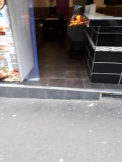 Photo of the December 19, 2017 1:10 PM, croc time, 7e Rue de Belleville, Paris, France