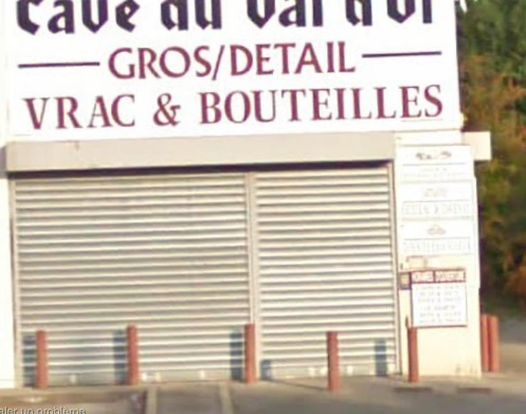 Photo of the February 5, 2016 6:52 PM, Cave du Château Rouge, 5 Rue du Château Rouge, 74100 Annemasse, France