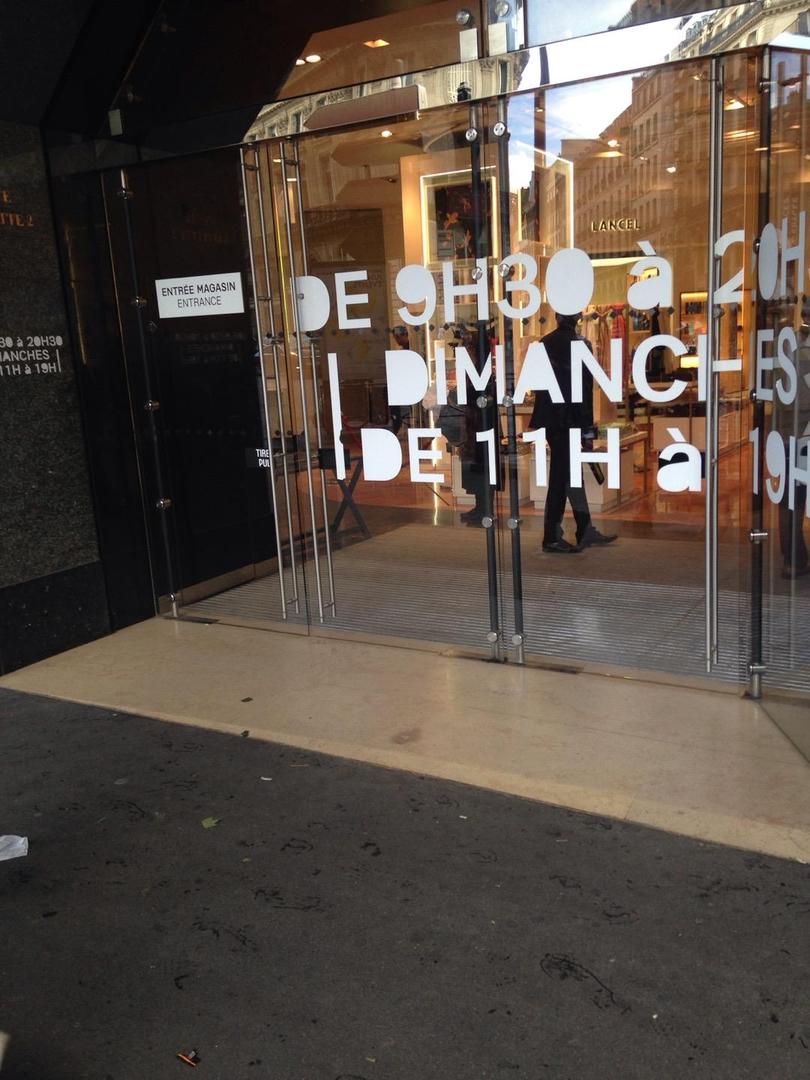 Foto del 6 de junio de 2017 13:50, galeries lafayette, Rue d'Antin, Paris, France