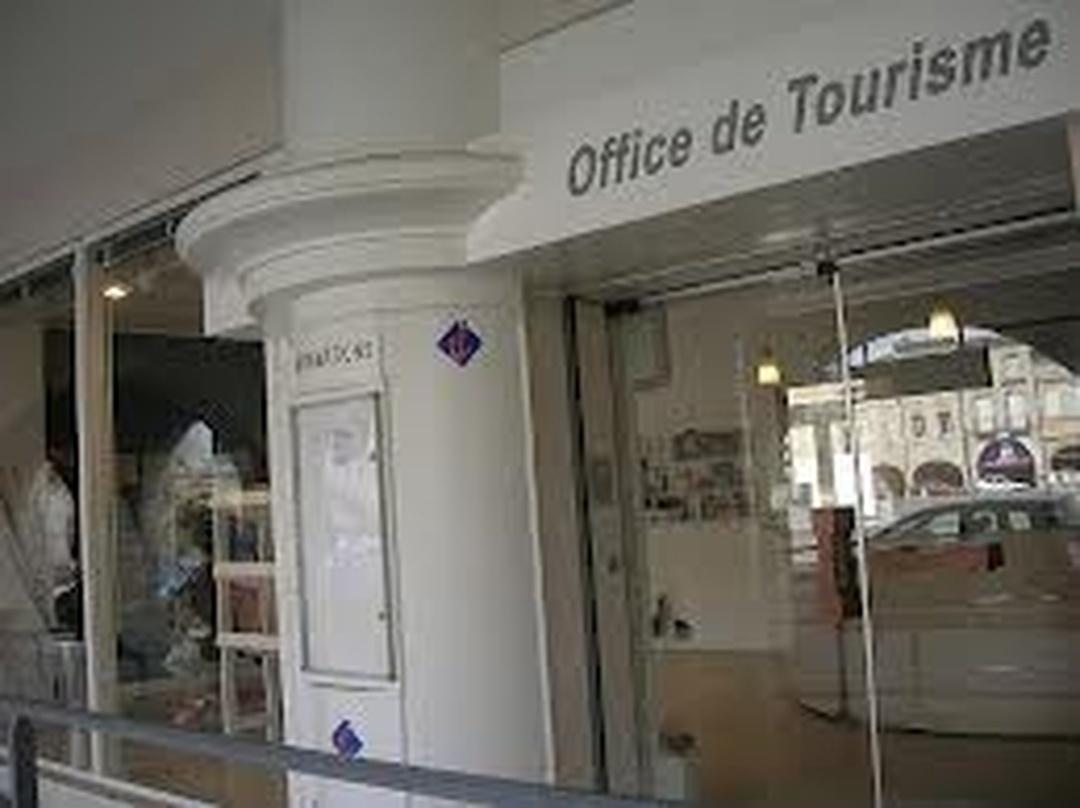 Foto del 5 de febrero de 2016 18:55, Tourisme Libournais, 40 Place Abel Surchamp, 33500 Libourne, Francia
