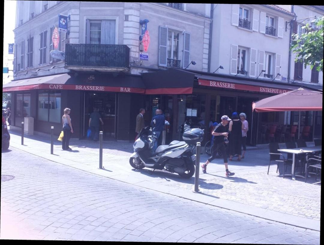 Photo du 5 février 2016 18:56, L'Entrepôt Saint-Claude, 33 Rue des Bourets, 92150 Suresnes, France