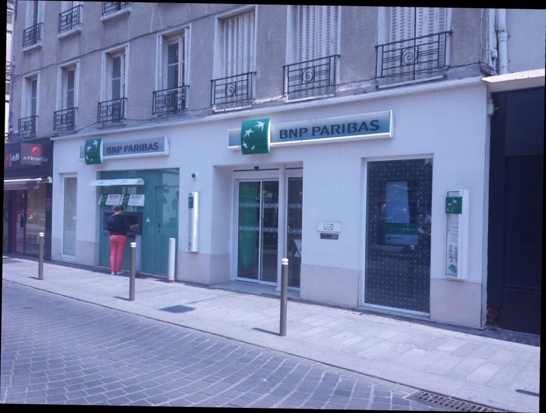 Foto del 5 de febrero de 2016 18:56, BNP Paribas - Suresnes, 26 Rue des Bourets, 92150 Suresnes, Francia