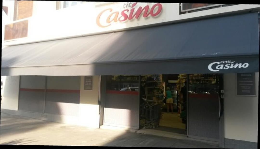 Photo du 5 février 2016 18:49, Petit Casino, Avenue Jean Perrot, 38000 Grenoble, France