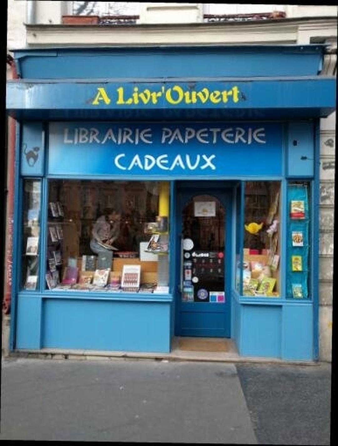 Foto del 24 de mayo de 2016 22:49, Bookstore Livr'Ouvert, 171 bis Boulevard Voltaire, 75011 Paris, Francia