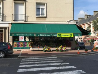 Photo of the October 4, 2017 9:55 AM, le jardin des fleurs, 36 Rue de Neufbourg, 50000 Saint-Lô, France