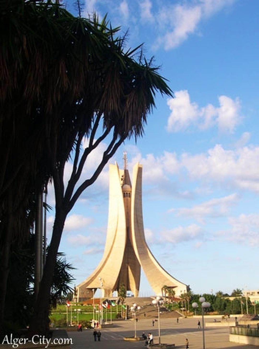 Foto del 5 de febrero de 2016 18:56, Memorial du Martyr, Rue n° 3, Kouba, Algeria