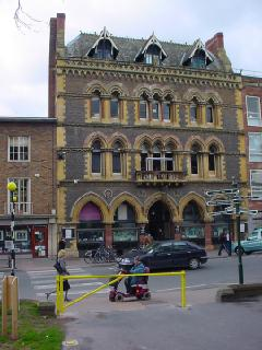 Foto vom 5. Februar 2016 18:55, Hereford City Library, Broad St, Hereford HR4 9AU, Royaume-Uni