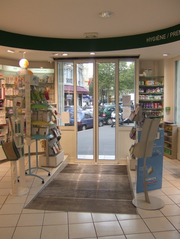 Farmacia - Thoraval Hervé , Paris