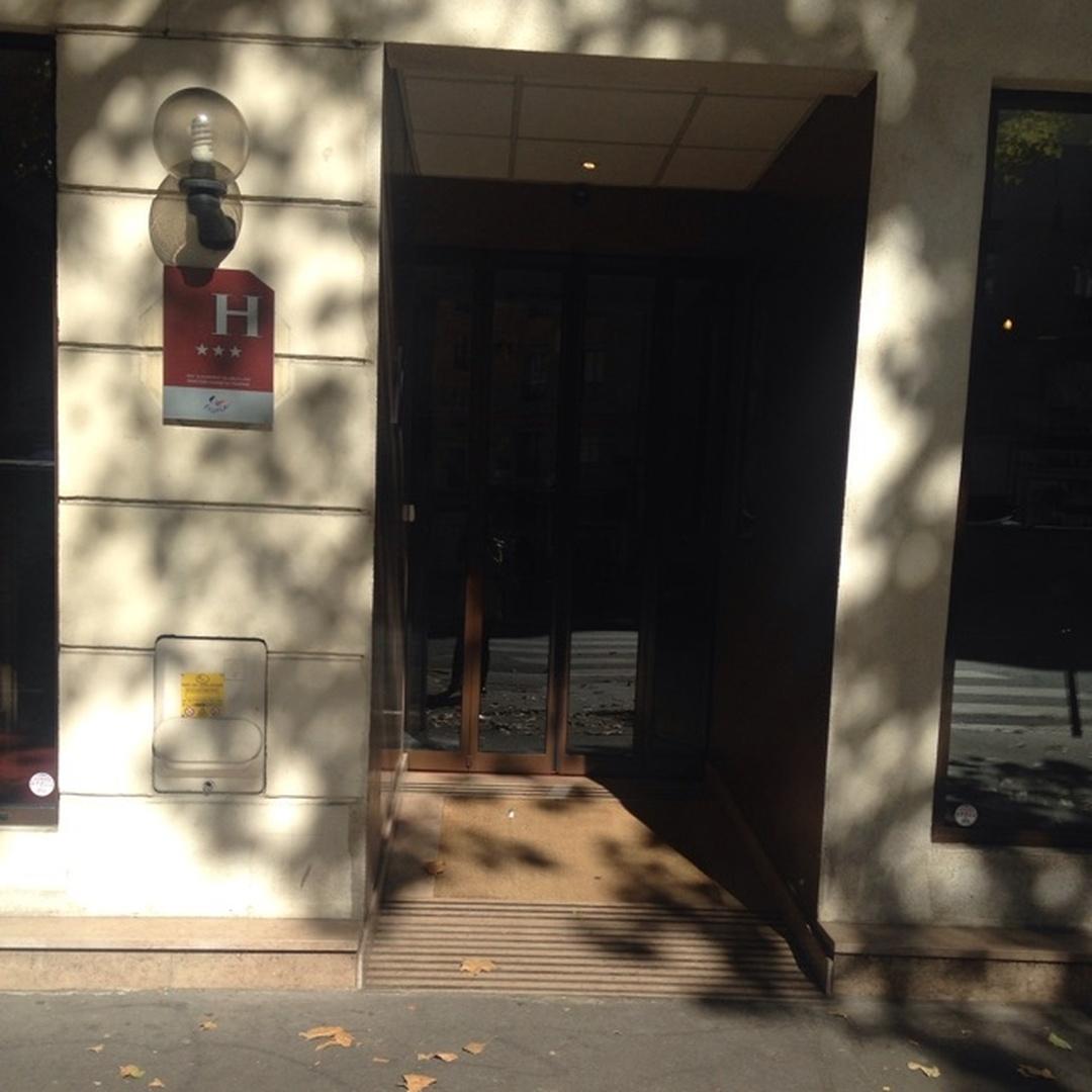 Photo du 5 février 2016 18:57, Hôtel du Prince Eugène, 247 Boulevard Voltaire, 75011 Paris, France