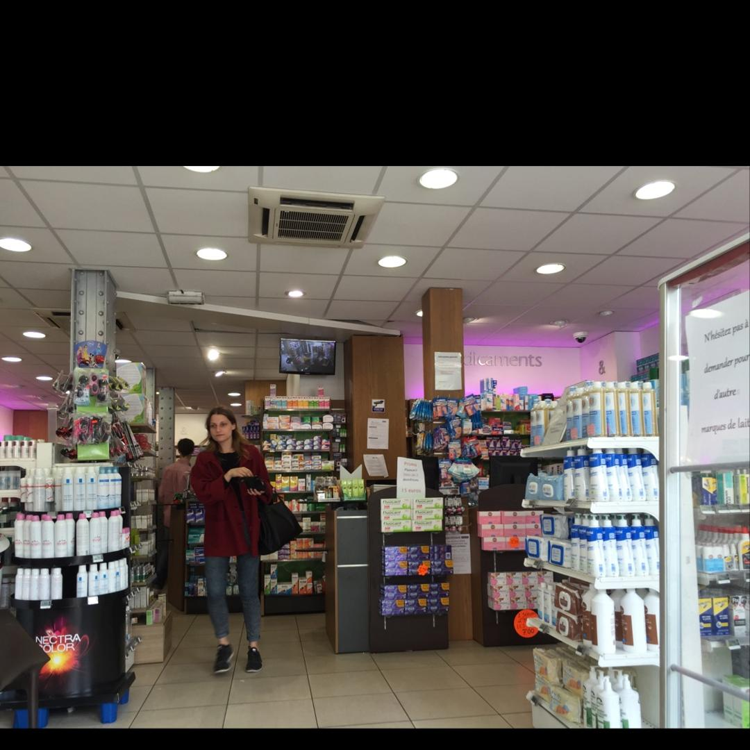 Photo du 5 février 2016 18:56, Selarl Pharmacie Europeenne, 6 Place de Clichy, 75009 Paris, France