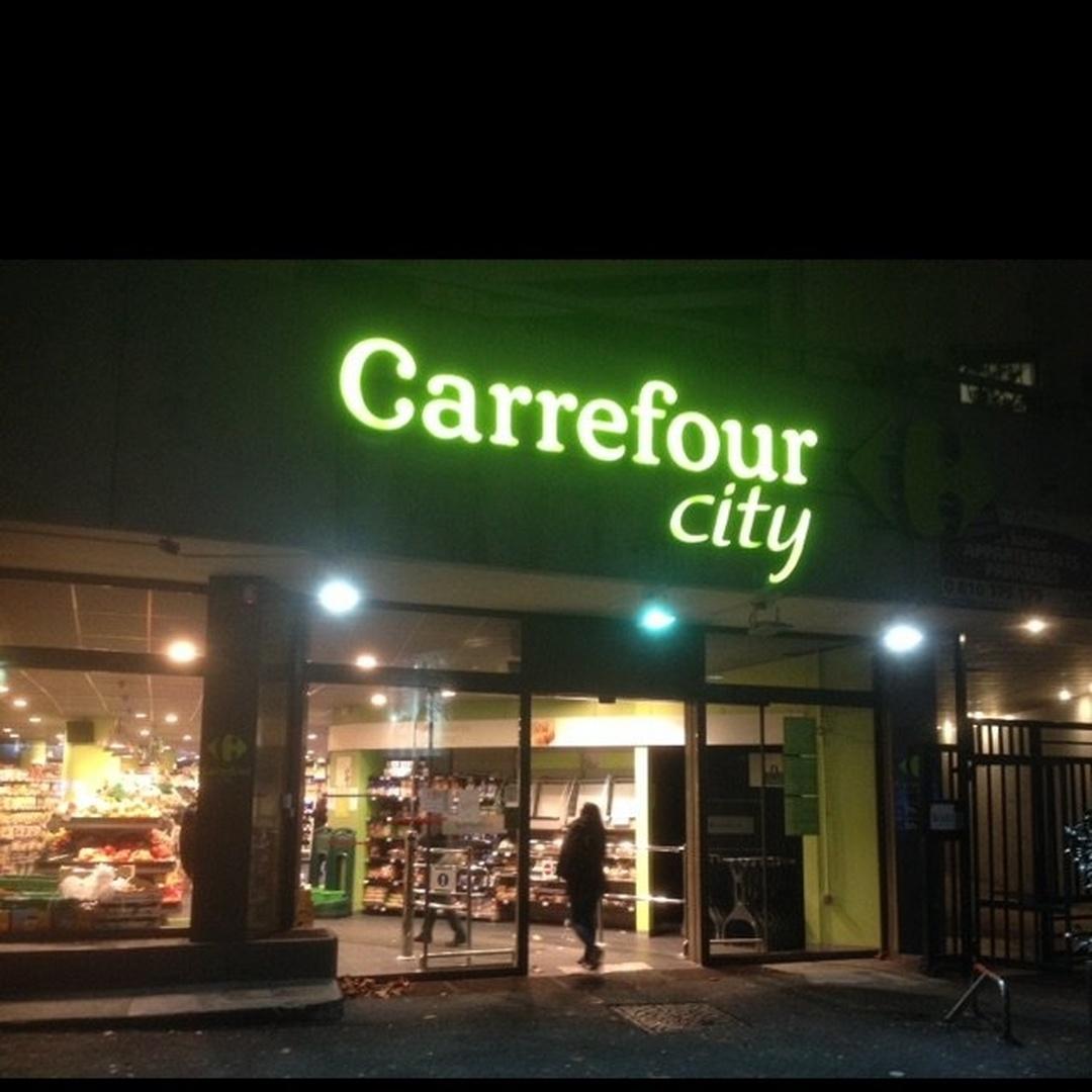 Foto del 24 de mayo de 2016 22:49, Carrefour City Paris Faubourg Saint Antoine, 220 Rue du Faubourg Saint-Antoine, 75012 Paris, France