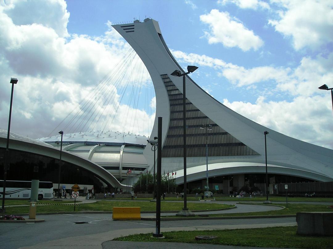 Monumento - Olympic Stadium , Montréal
