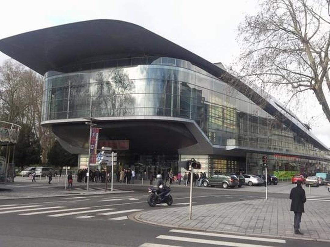 Performing Arts Theater - Le Vinci , Tours