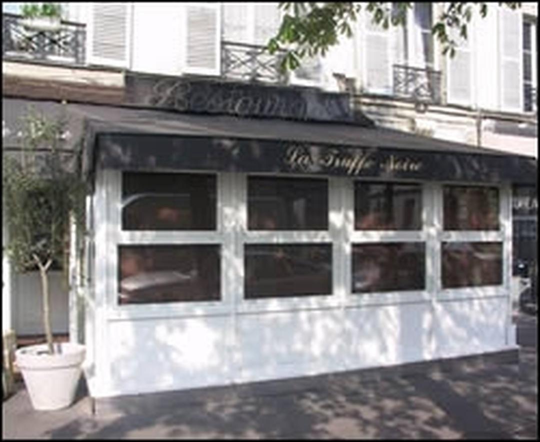 Foto del 5 de febrero de 2016 18:48, Orient Extrême Neuilly, 2 Place Parmentier, 92200 Neuilly-sur-Seine, Francia