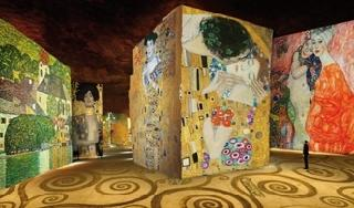 Photo of the February 5, 2016 6:55 PM, Carrières de Lumières, Route de Maillane, 13520 Les Baux-de-Provence, France