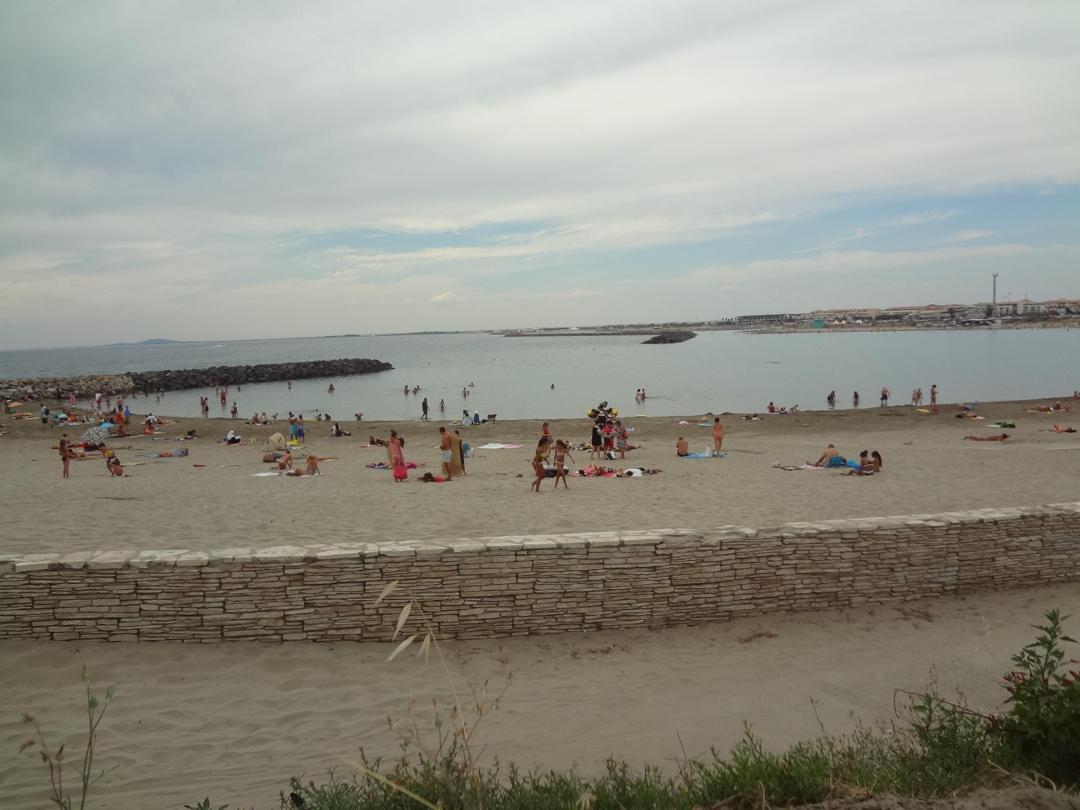 Complejo turístico en la playa - Plage du Lazaret , Sète